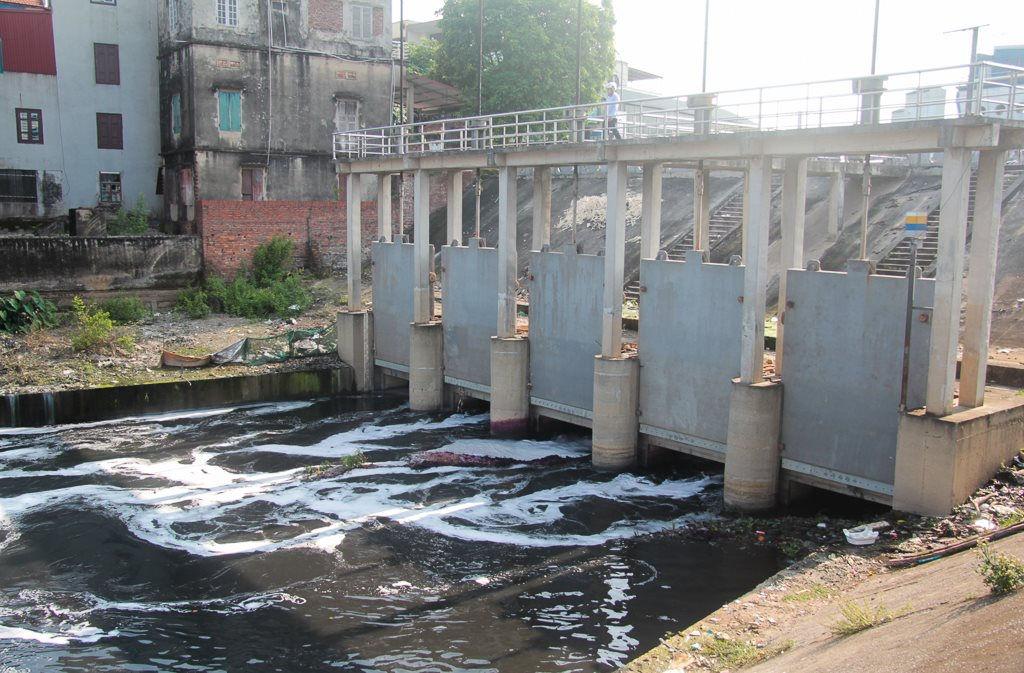 Ô nhiễm do xả thải tại sông Cầu, Bắc Giang